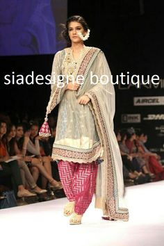 These are motivated by the cheap designer clothes online and are well known for the amazing designs, eye-catching and aggressive cost. At Indian womens designers clothes, you get the most amazing option of. India Fashion Week, Lakme Fashion Week, Indian Attire, Indian Wear, Indian Style, Indian Ethnic, Cheap Designer Clothes, Designer Dresses, Pakistani Outfits