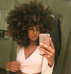 Why won't my hair do this? Natural Hair Inspiration, Natural Hair Tips, Natural Hair Styles, Big Curly Hair, Curly Hair Styles, Curly Afro, Pelo Afro, Hair Game, Messy Hairstyles