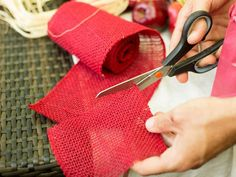 5. How to Create a Farmers Market Style Centerpiece: Give each bag classic country-store style with burlap ribbon cut to size. From DIYnetwork.com