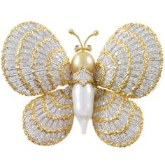 Preowned Pearl Diamond Two Color Gold Butterfly Brooch ($9,500) ❤ liked on Polyvore featuring jewelry, brooches, multiple, gold jewellery, pre owned jewelry, butterfly jewelry, gold diamond jewelry and 80s jewelry