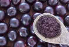 Using acai berry powder is one of the easiest ways to gain the many benefits of the acai super fruit. Here are some tips on how to buy acai powder. Stevia, What Is Acai, Acai Berry Powder, Acai Fruit, Vida Natural, Best Weight Loss Pills, Appetite Control, Best Supplements, Food Trends