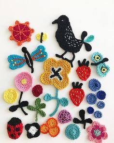 Backyard wonders  #summer #berries #bird #bugs #holiday #crochet #crocheting #hook #sketching #virkkaus