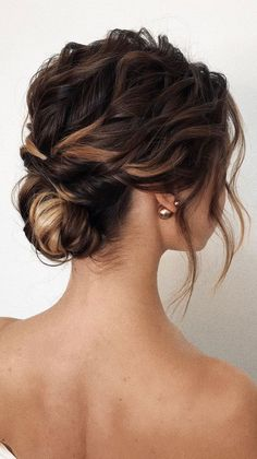 Gorgeous & Super-Chic Hairstyle That's Breathtaking romantic updo hairstyles, updo hairstyle,simple Messy Wedding Hair, Romantic Wedding Hair, Bridal Hair Updo, Simple Wedding Hairstyles, Chic Hairstyles, Wedding Hair And Makeup, Bride Hairstyles, Bridesmaid Updo Hairstyles, Bridesmaid Hair Updo Messy