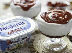 Mousse Romeu e Julieta   Ingredientes      200 ml de creme de leite fresco     450 gr de Cream Cheese     Philadelphia     200 gr de leite condensado     1/2 colher(es) (sopa) de essência de baunilha     300 gr de goiabada cremosa     1/2 unidade(s) de limão em raspa(s)  Como fazer...