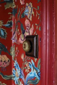 Tour the color- and pattern-filled home of the founders of a beloved English design firm. Gym Decor, Diy Home Decor, Chinoiserie, Wall Colors, House Colors, D House, Full House, Old Room, Red Cottage