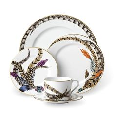 Transform your tableware in designer style with this stunning Carolyn set from Ralph Lauren Home. Each piece is made from porcelain in an elegant white and adorned with various luxurious feather desig