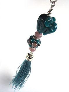 Kette handgefertigte Lampwork-Glasperle Elefant von glückskind-design auf DaWanda.com Glass Jewelry, Glass Beads, Jewelry Necklaces, My Glass, Lampwork Beads, Creatures, Drop Earrings, Design, Handmade