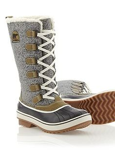 apparently i'm obsessing about Sorrel boots now. these looks so warm!