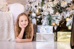 Shop Personalized Photo Family Christmas Joy Blue Card created by FeelingLikeChristmas. Personalize it with photos & text or purchase as is! Primitive Bathrooms, Primitive Homes, Primitive Bedroom, Trends 2018, Decorating Tips, Interior Decorating, Decorating Kitchen, Decorating Websites, Décor Antique