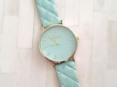 Exclusive design strap fashion woman watch
