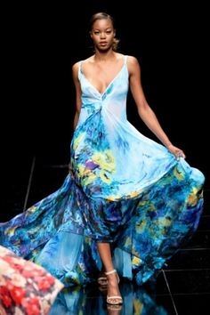 More than 25 local designers will showcase their latest creations through over 15 catwalk shows at the forthcoming edition of Mercedes-Benz Fashion Week Cape Black Girl Fashion, Funky Fashion, Modern Fashion, Africa Day, South Africa, African Fashion Designers, Black Party, Africa Fashion, Cape Town