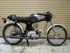 Fast is fast...: S90 cafe racer.