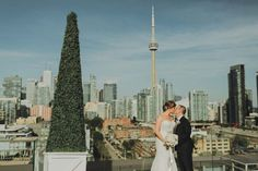 This couple's venue, the Thompson Toronto, offered the most incredible view of the city's skyline. Canadian Wedding Venues, Wedding Venues Ontario, Real Weddings, Outdoor Weddings, Chic Wedding, Wedding Ideas, Downtown Toronto, Cn Tower, Skyline