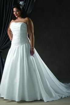 2012 Graceful White A line Strapless Chapel Train Taffeta