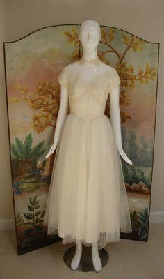 1950s wedding dress / Doris Day wedding dress / by audreysofnaples, $195.00