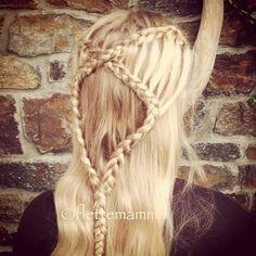 942855382 Lovely braid. Bente-Helen@flettemamma Grey Blonde Hair, Ashy Blonde, Black