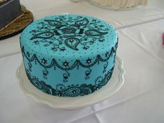 turquoise cake decorated with henna pattern Gorgeous Cakes, Pretty Cakes, Cute Cakes, Amazing Cakes, Cake Icing, Fondant Cakes, Cupcake Cakes, Unique Cakes, Creative Cakes