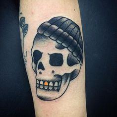 Trabalho do tatuador @saucouto #TrueLoveTattoo 11-20943383 ⚡️⚡️⚡️ #skull #skulltattoo #traditionaltattoo #classictattoo #truelove #ruaaugusta #SP