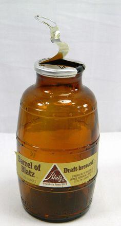 Vintage Barrel Shaped Brown Glass Blatz Beer Bottle Keg Man Guy Cave Bar Room Empty