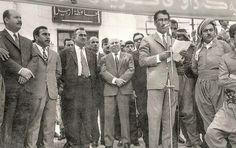 وينه ييكى كون بو سامى عبدول رحمن له هه ولير. صورة قديمة للسياسي الكوردي الراحل سامي عبد الرحمن في أربيل مع نخبة من مسؤولي المحافظة حينها.