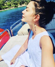 """""""Starve a Cold, Feed a Fever!"""" : Can Divit – Erkenci Kus Beautiful Dream, She Was Beautiful, Outfit Cabello, Turkish Beauty, Turkish Actors, Pure Beauty, Celebs, Celebrities, How To Fall Asleep"""