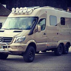 Risultati immagini per starliner motorhome 4x4 Camper Van, Camper Van Life, 4x4 Van, Truck Camper, Mercedes Sprinter Camper, Sprinter Rv, Off Road Camping, Van Camping, Camping Cabins