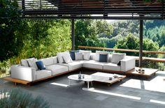 Lacquer a Teak Outdoor Sofa Modern Garden Furniture, Affordable Outdoor Furniture, Indoor Outdoor Furniture, Outdoor Decor, Rustic Furniture, Furniture Plans, Antique Furniture, Outdoor Sofa, Outdoor Living