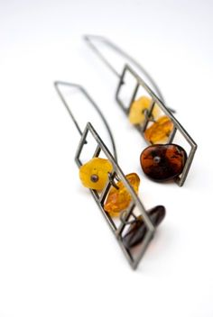 Bloc Baltic amber sterling silver (ready to ship) - earrings. Amber Jewelry, Jewelry Art, Jewelry Design, Unique Jewelry, Steel Jewelry, Chain Earrings, Minimalist Earrings, Baltic Amber, Starfish
