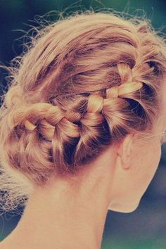 summer braid <3 Visit www.makeupbymisscee.com for tips and how to's on hair, beauty and makeup