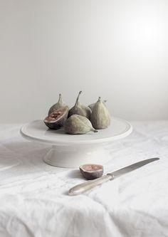Fig still life Food Photography Styling, Food Styling, Product Photography, Creative Photography, Pin On, Ceramic Tableware, Slow Food, Fruit Art, Food Inspiration