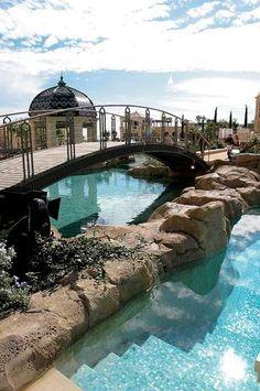 As piscinas mais bonitas do mundo: Monte-Carlo Bay Hotel & Resort, Montecarlo, Mônaco
