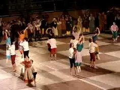 Medieval Dancing - Young adults - lifting, cartwhelels