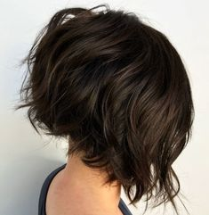 Short bob haircuts and hairstyles are perfectly versatile. Changing color, shape or dimension, stylists can find an ideal short bob for every woman! Inverted Bob Hairstyles, Short Hairstyles For Thick Hair, Haircut For Thick Hair, Short Hair Cuts, Stacked Hairstyles, Chinese Bob Hairstyles, Messy Bob Hairstyles, Hairstyles 2018, Bob Haircuts For Women