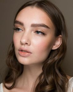 This makeup for @luisabeccaria _offical 2017 runway show may be our favorite natural look of the year. Photographer : unknow | Makeup Artist : unknow
