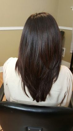 34 straight long hair styles with layers – Page 32 – Chic Cu Long Hair V Cut, V Cut Hair, Haircuts For Long Hair With Layers, Haircuts Straight Hair, Long Length Hair, Haircuts For Medium Hair, Medium Length Hair With Layers Straight, Wavy Hairstyles, Pixie Haircuts