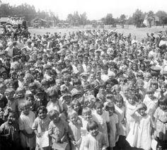 School Children, Lankershim School, North Hollywood, 1923. San Fernando Valley History Digital Library.
