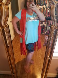 Playing dress up!!! Pairing my LuLa swag & supply tees with amazing pieces in my inventory!!! #lularoewithglo #cassiejoycarlyjuliamaxi #patternmixologist #givemeallthecolors #knotsarelife
