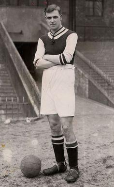 Aston Villa legend Pongo Waring