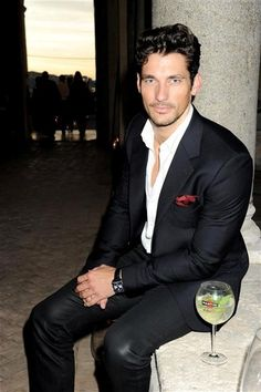 Google Image Result for http://www.luxury-insider.com/uploads/news/2011/09/124043525bs066-martini-luck.jpg%3Fwidth%3D600