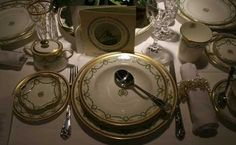 titanic artifacts photos | An exhibition of these dishes, along with other Titanic artifacts, was ...
