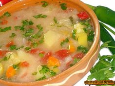 With sour milk Soup Recipes, Vegetarian Recipes, Weight Watchers Soup, Vegan Foods, Cheeseburger Chowder, Delish, Vegetables, Supe, Yum Yum
