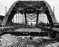 The Construction of Wearmouth Bridge, 20 June 1929 George Washington Bridge, 20 June, Back In Time, Vintage Travel Posters, Winter Garden, Brooklyn Bridge, Old Photos, England