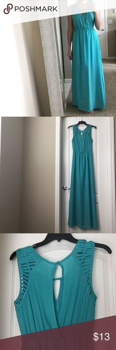Francesca's Maxi Dress Great condition, only worn a few times. Size medium. Back has a bit of a low cut/slit (pictured) Francesca's Collections Dresses Maxi