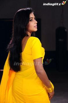 Photograph of Shamna Kasim (Poorna) TOP 50 INDIAN ACTRESSES WITH STUNNING LONG HAIR - PARINEETI CHOPRA PHOTO GALLERY  | CDN2.STYLECRAZE.COM  #EDUCRATSWEB 2020-07-16 cdn2.stylecraze.com https://cdn2.stylecraze.com/wp-content/uploads/2014/03/Parineeti-Chopra.jpg.webp