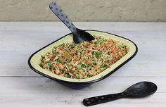Um prato diferente para comer no almoço: salada de feijão fradinho! // Receita completa em casaecozinha.com :-)