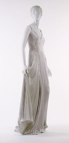 Gianni Versace (Italian, 1946–1997). Evening gown, spring–summer 1996. The Metropolitan Museum of Art, New York. Gift of Donatella Versace, 1999 (1999.328.4)