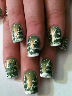 It was the night before Christmas, and that's what this Christmas nail art is all about. Draw a serene Christmas night in the mountains with this nail polish design. Combine polishes such as green, white and yellow to create the effect.