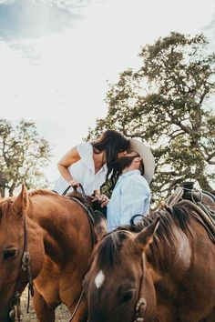 A Letter From Your Photographer - COWGIRL Magazine westernengagementphotos Country Family Photos, Country Couple Pictures, Cute Country Couples, Pictures With Horses, Cute N Country, Cute Couple Pictures, Cute Couples Goals, Couple Photos, Country Prom