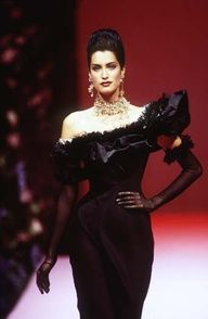 Yasmeen Ghauri for Christian Lacroix - Haute Couture - Runway Collection - WomenFall / Winter 1995 Runway Fashion, Fashion Models, Fashion Show, Fashion Design, Womens Fashion, Christian Lacroix, 1990 Style, Jessica Parker, 90s Models