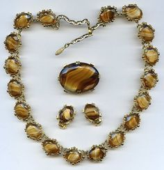 Vtg 1960s MAD MEN Topaz Porphyr Oval Glass Gold Tone Necklace Earrings & Pin Set  $49.95